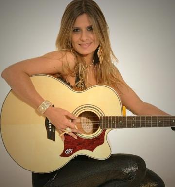 Adriana Violeira